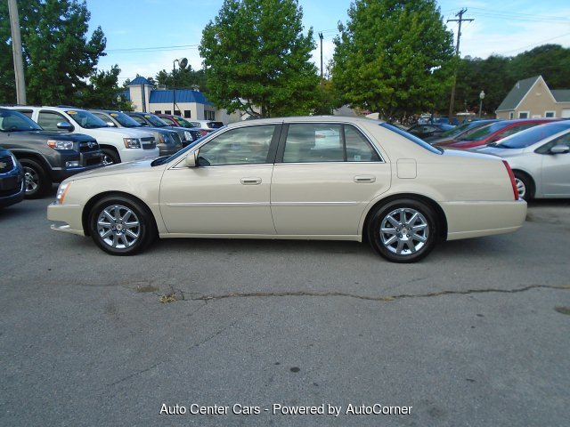What Are Dts >> 2011 Cadillac Dts Premium W Navi 4 Speed Automatic Royal